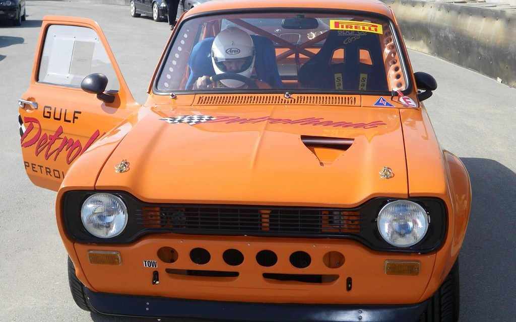 Gulf Petrolheads – Neil Greer hits the track in his Mk1 Ford Escort