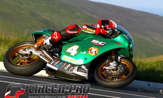 Isle of Man TT: Start to finish win for Michael Rutter in Lightweight race