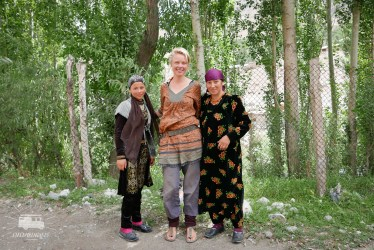 Posing with our hitchhikers :) It was difficult to refuse their offer to come to her house, but we really had to get to Dushanbe tonight...
