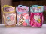 Tas berkarakter Hello Kitty, My Melody dan Little Twin Star, tempat penyimpanan makanan/minuman dingin yang dapat berfungsi untuk makanan/minuman panas..