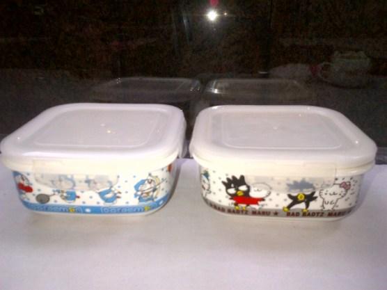 Mangkuk Microwave berkarakter Doraemon dan Badtz-Maru