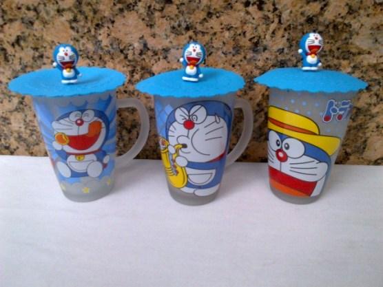 Gelas Doraemon