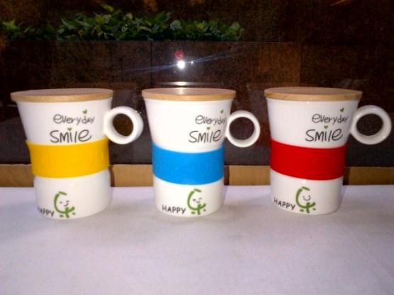 Gelas Smiley