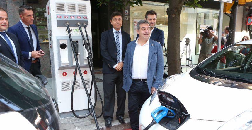 Gijón estrena diez nuevos puntos de recarga para vehículos eléctricos