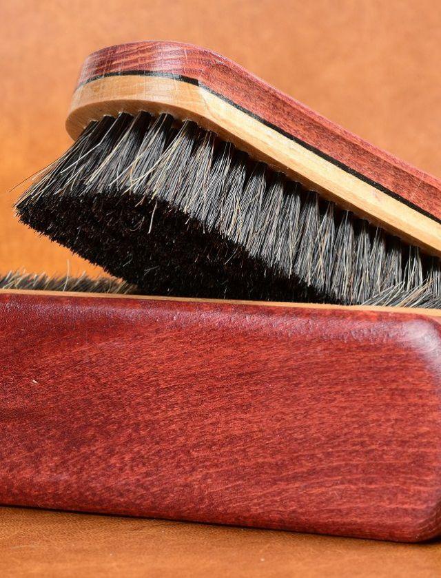 čištění semišových bot