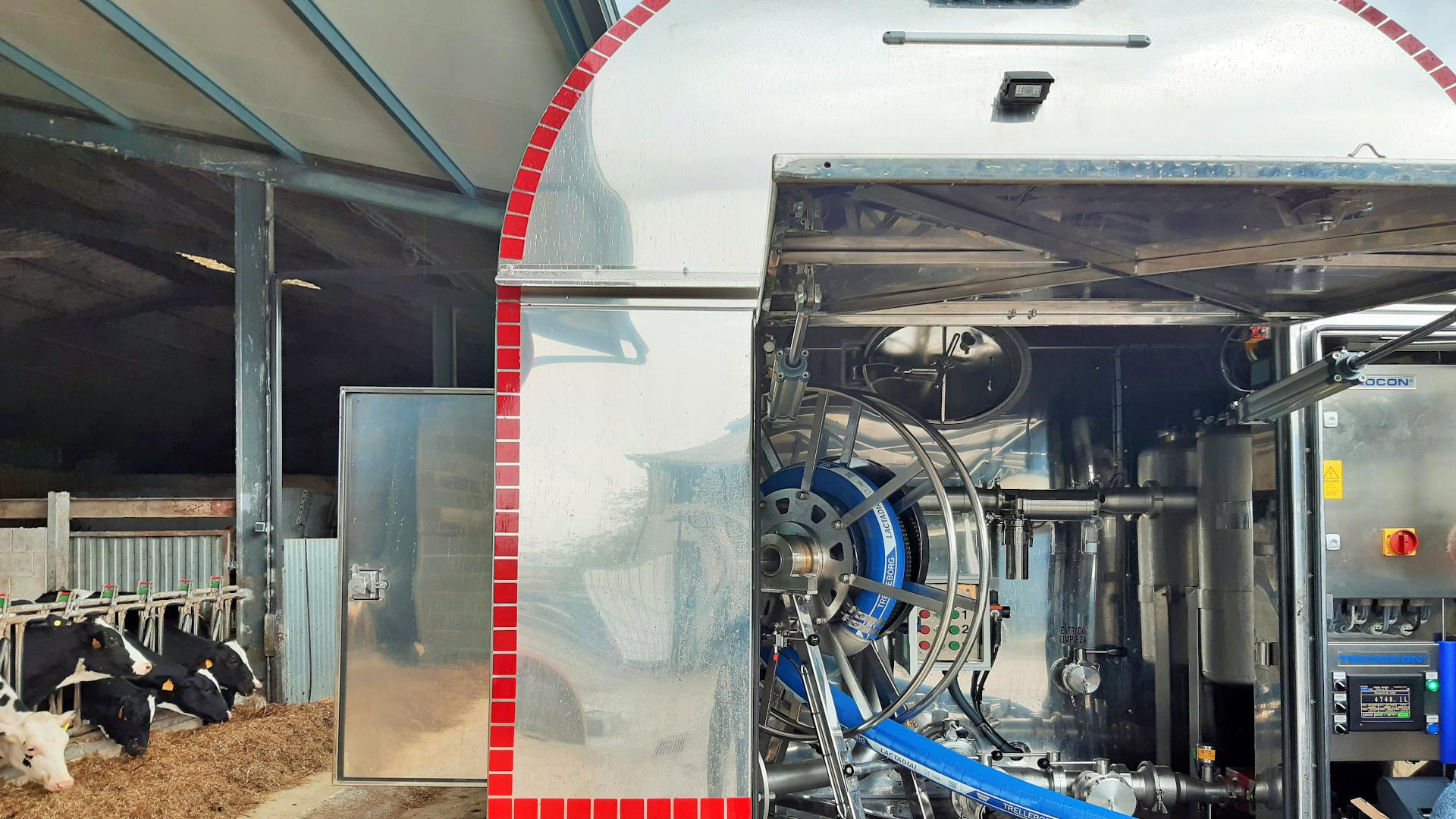 cidega-instala-equipos-de-medicion-de-leche-de-alta-capacidad-en-camiones-cisterna-1920