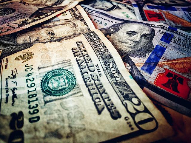 Money 32