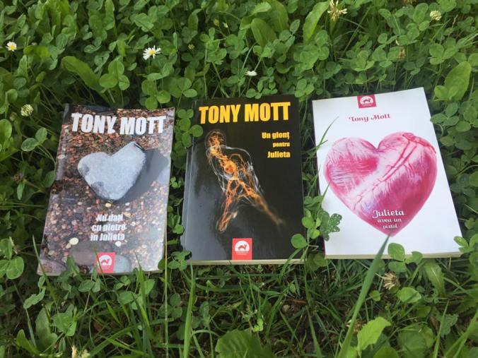 Nu dati cu pietre in Julieta Seria Julieta Tony Mott Antoneta Gales