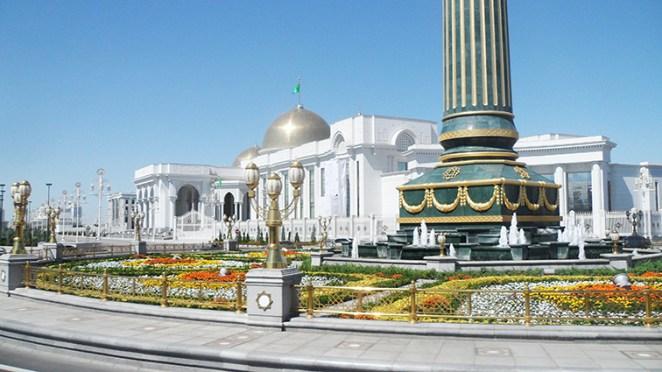 Oguzkhan-Presidential-Palace-Ashgabat-Turkmenistan-2