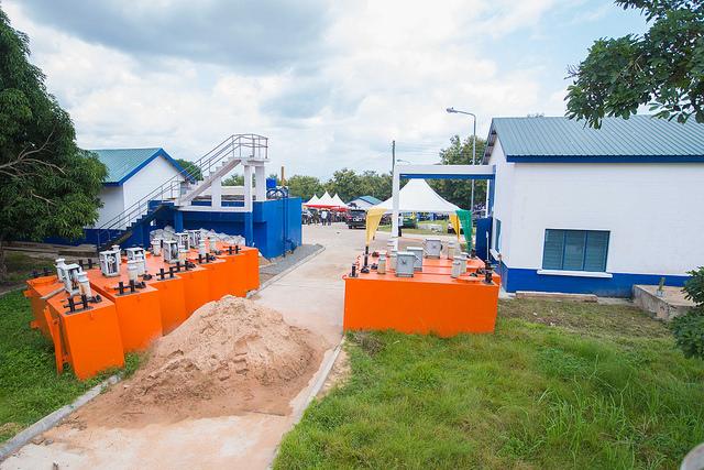 mahama-commissions-water-project-at-kpando-6