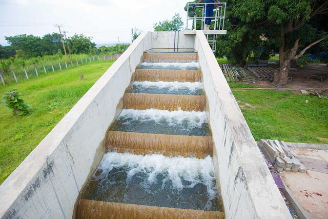 mahama-commissions-water-project-at-kpando-7