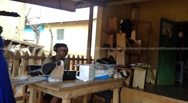 Assin Anhweansu Pregnant women treated in the open in shabby CHPS Compound
