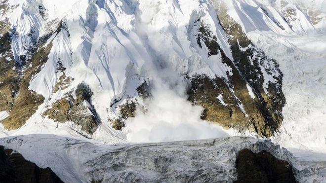 Nepal storm kills climbers on Himalayan peak Gurja