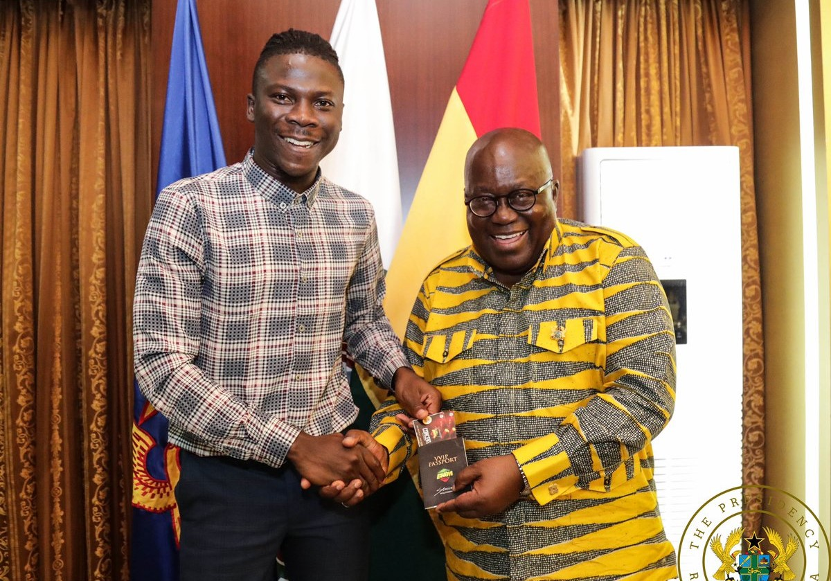 Stonebwoy takes Bhim Concert invitation to Nana Addo at Jubilee House