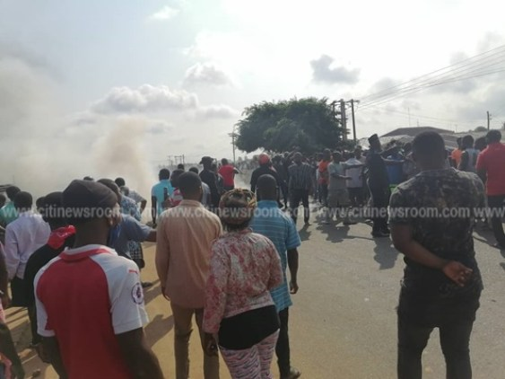 Juapong residents block road over killing of businessman 7