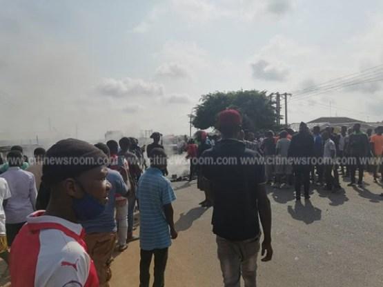 Juapong residents block road over killing of businessman 1