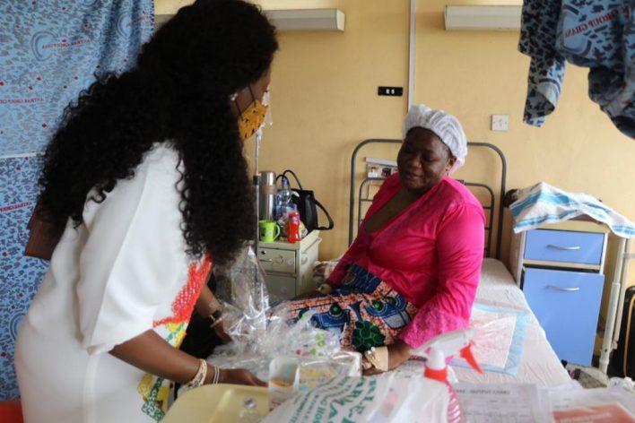 Asante Bediatuo's family donates to Korle-Bu Teaching Hospital maternity ward 7