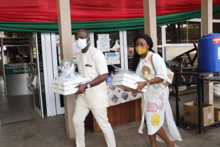Asante Bediatuo's family donates to Korle-Bu Teaching Hospital maternity ward 10