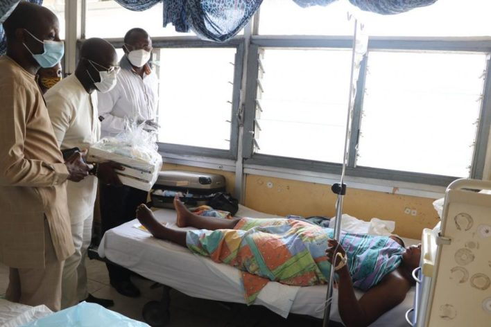 Asante Bediatuo's family donates to Korle-Bu Teaching Hospital maternity ward 13