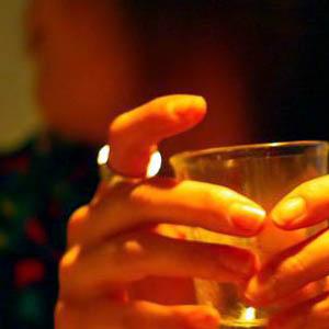 女性アルコール