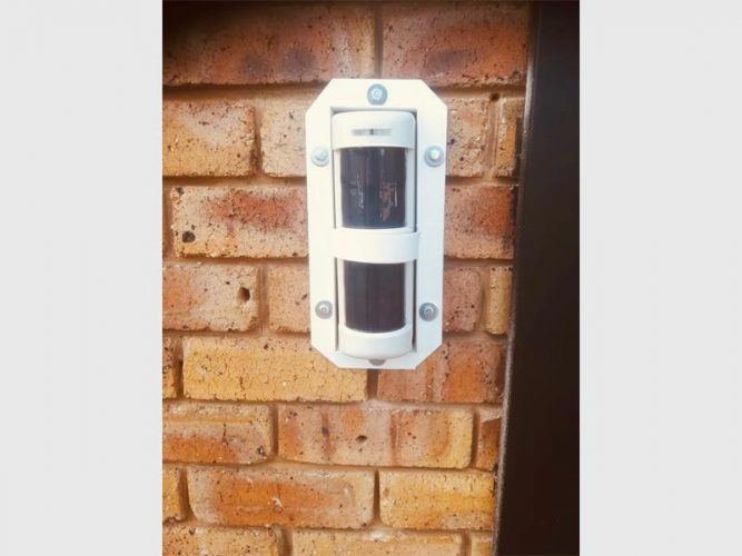security beam 667x500 - Centurion thieves stealing security measures cause for concern – The Citizen