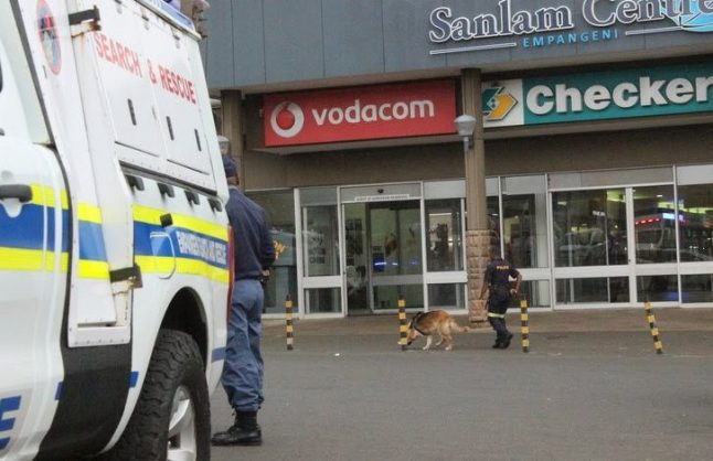 Armed robbers target cellphone shop in KZN