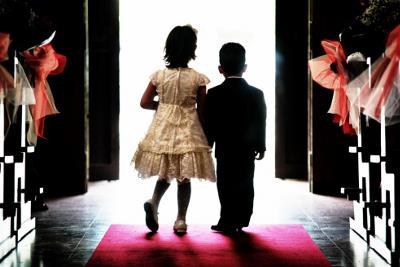 """Mijëra martesa nën 18 vjeç / Gjykata i jep """"Ok"""" se ngelin shtatzanë"""