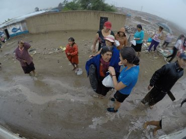 Supplies being handed out in El Porvenir