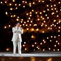 """k.d. Lang chante """"Hallelujah"""" à Vancouver"""