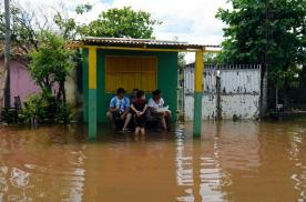 banjir, banjir besar, el-nino, el nino, banjir besar di amerika selatan, penyebab banjir besar di amerika selatan, banjir di paraguay, banjir di asuncion, citra satelit banjir, citra satelit banjir besar, citra satelit banjir besar di amerika selatan, citra satelit, gambar satelit, gambar permukaan bumi, gambaran permukaan bumi, gambar objek dari atas, jual citra satelit, jual gambar satelit, jual citra quickbird, jual citra satelit quickbird, jual quickbird, jual worldview-1, jual citra worldview-1, jual citra satelit worldview-1, jual worldview-2, jual citra worldview-2, jual citra satelit worldview-2, jual geoeye-1, jual citra satelit geoeye-1, jual citra geoeye-1, jual ikonos, jual citra ikonos, jual citra satelit ikonos, jual alos, jual citra alos, jual citra satelit alos, jual alos prism, jual citra alos prism, jual citra satelit alos prism, jual alos avnir-2, jual citra alos avnir-2, jual citra satelit alos avnir-2, jual pleiades, jual citra satelit pleiades, jual citra pleiades, jual spot 6, jual citra spot 6, jual citra satelit spot 6, jual citra spot, jual spot, jual citra satelit spot, jual citra satelit astrium, order citra satelit, order data citra satelit, jual software pemetaan, jual aplikasi pemetaan, jual pci geomatica, jual pci geomatics, jual geomatica, jual software pci geomatica, jual software pci geomatica, jual global mapper, jual software global mapper, jual landsat, jual citra landsat, jual citra satelit landsat, order data landsat, order citra landsat, order citra satelit landsat, mapping data citra satelit, mapping citra, pemetaan, mengolah data citra satelit, olahan data citra satelit, jual citra satelit murah, beli citra satelit, jual citra satelit resolusi tinggi, peta citra satelit, jual citra worldview-3, jual citra satelit worldview-3, jual worldview-3, order citra satelit worldview-3, order worldview-3, order citra worldview-3, dem, jual dem, dem srtm, dem srtm 90 meter, dem srtm 30 meter, jual dem srtm 90 meter, jual dem srtm 30 meter, jual ifsar, jual dem ifsar, jual dsm ifsar, jual dtm ifsar, jual worlddem