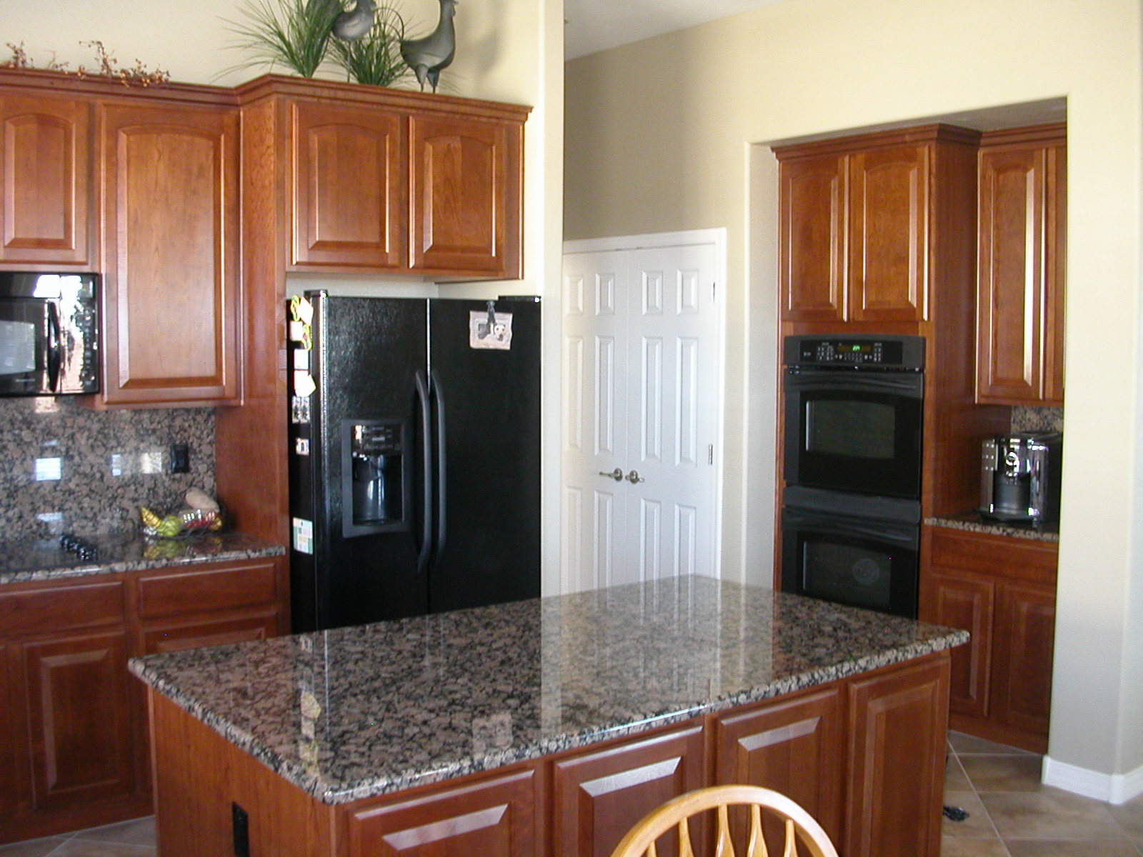 Black Vs Stainless Steel Appliances (flooring, Cleaning