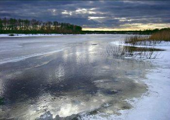 На Изюмщине 6-летний ребенок провалился под лед и утонул