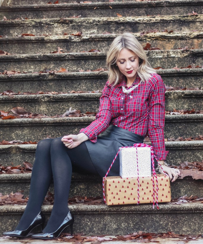 holiday-outfit-plaid-faux-leather-skirt-patent-pumps-city-peach