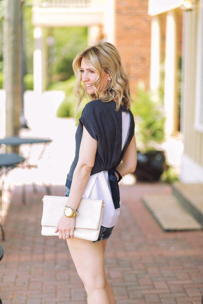 summer-outfit-denim-shorts-Zara-bow-flats-city-peach