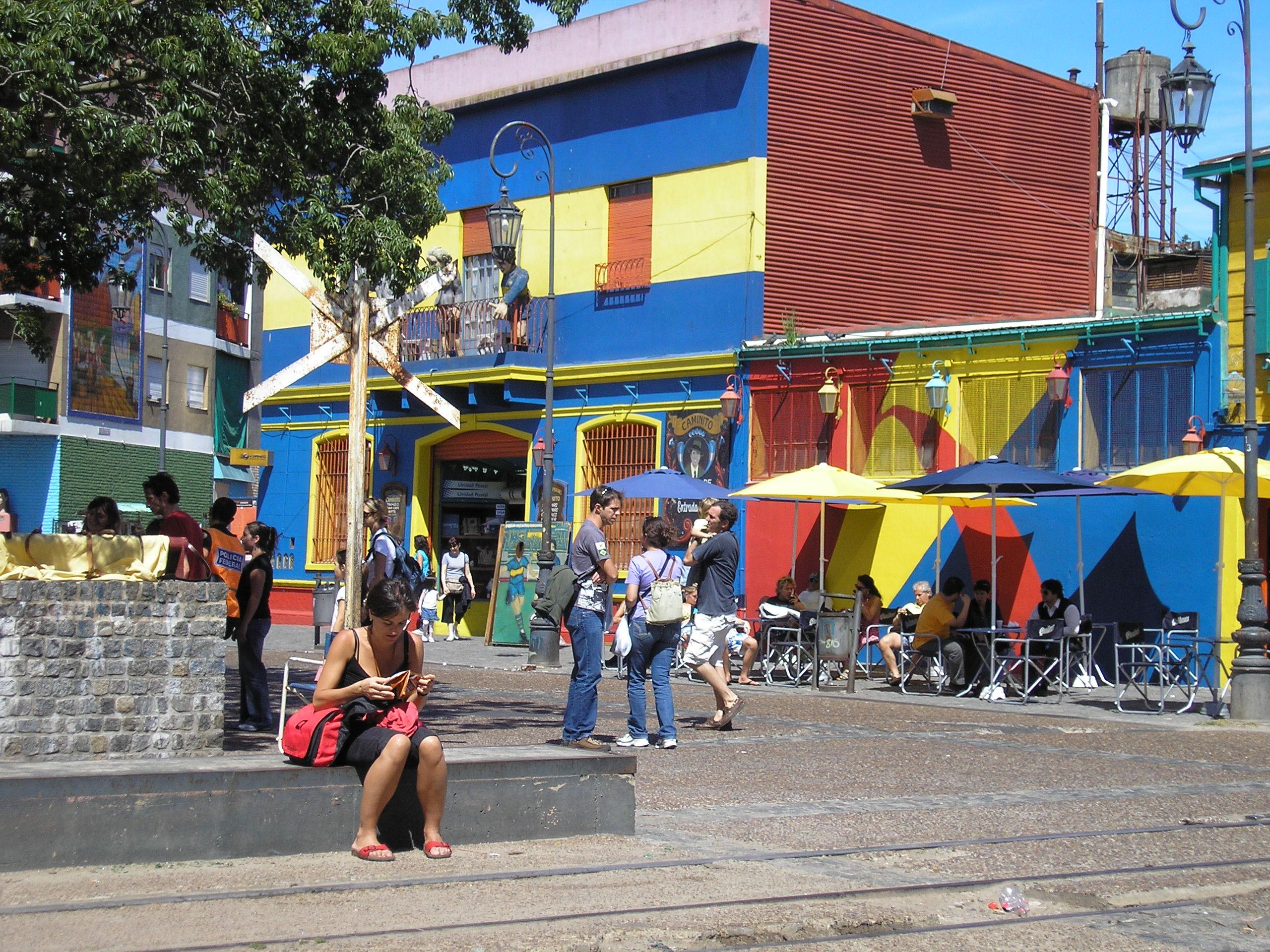 La Boca in Buenos Aires: een paar gekleurde huizen, en dat is het dan wel zo'n beetje.
