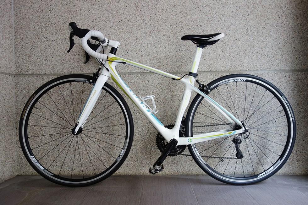台中青蘋果3c交換折抵捷安特 Giant Avail Composite 2腳踏車