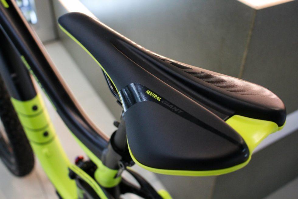 台中后里交換折抵捷安特 GIANT REIGN 2 越野腳踏車