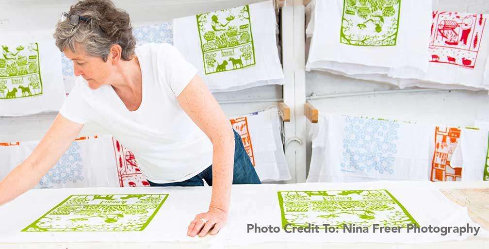 Kei Tsuzuki making textiles