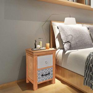 2 Mediniai naktiniai staliukai/spintelės su stalčiais