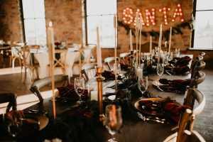 santa table setup