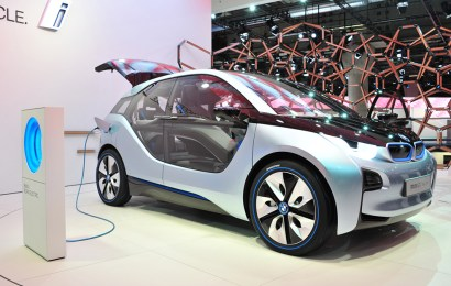 BMW to unveil 12 electric car models by 2025