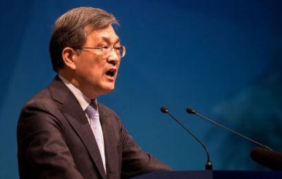 Management Crisis: Samsung CEO resigns