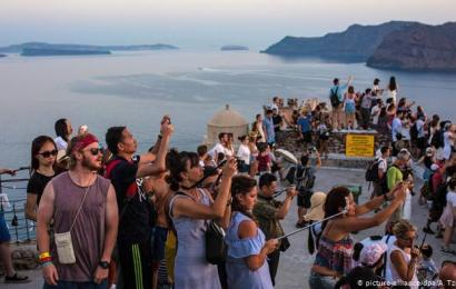Greece Ends Lockdown, Opens To Tourists