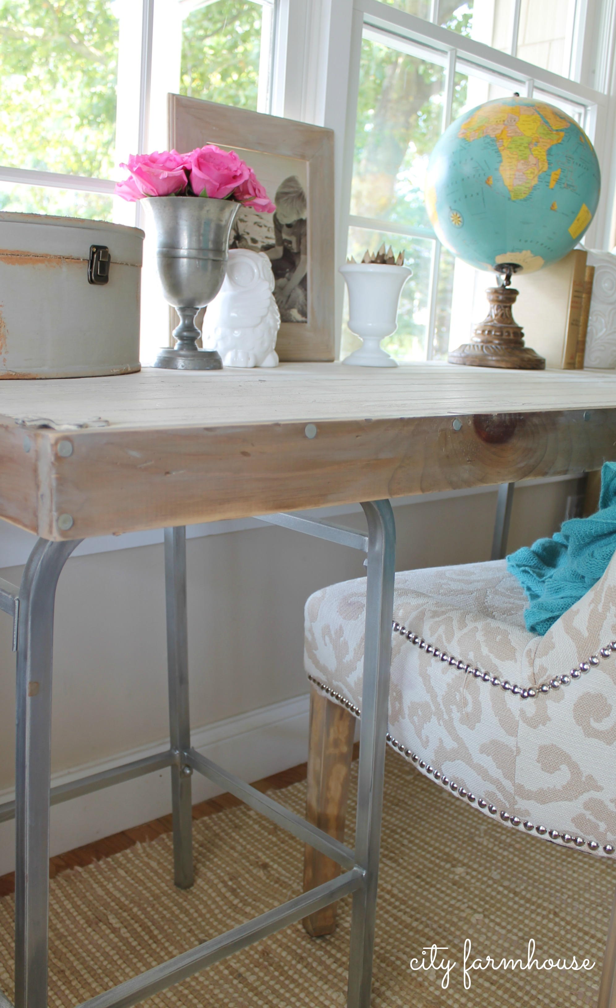 DIY Rustic Chic Industrial Bartsool Desk City Farmhouse
