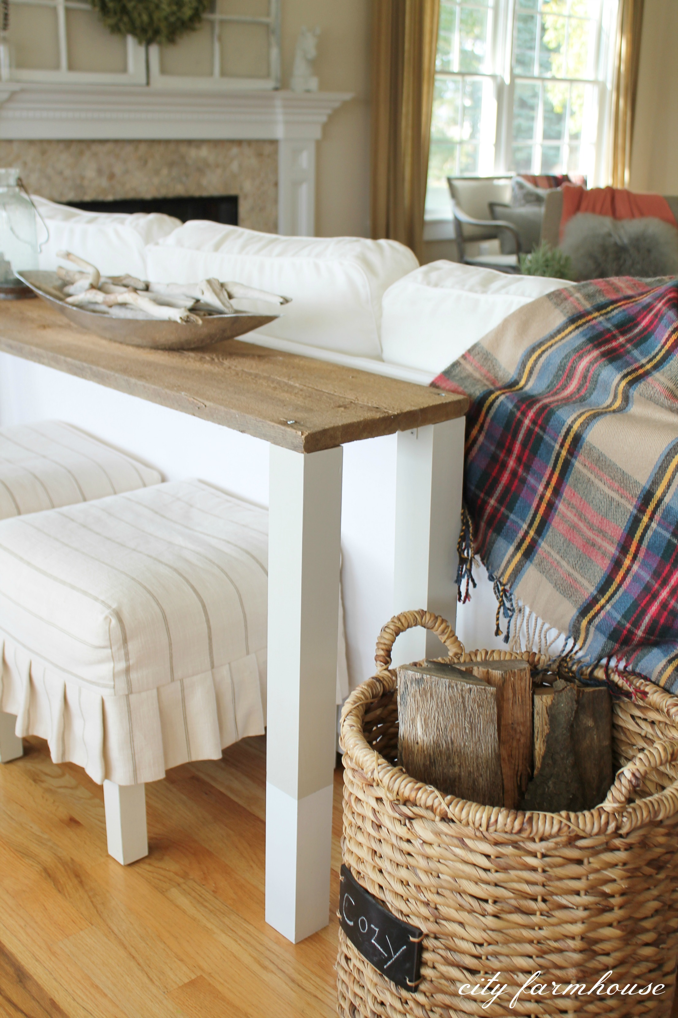 behind sofa tables albany leather collection the easiest diy reclaimed wood table city farmhouse