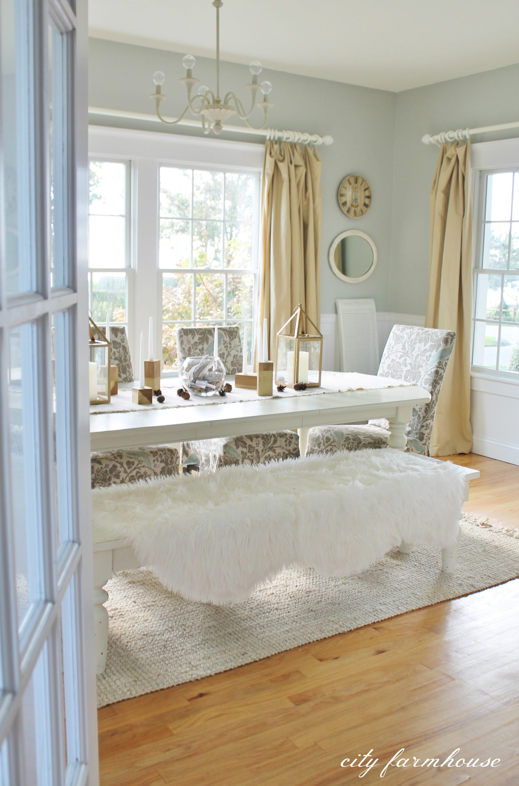 Rustic Chic Family Room New Rug City Farmhouse