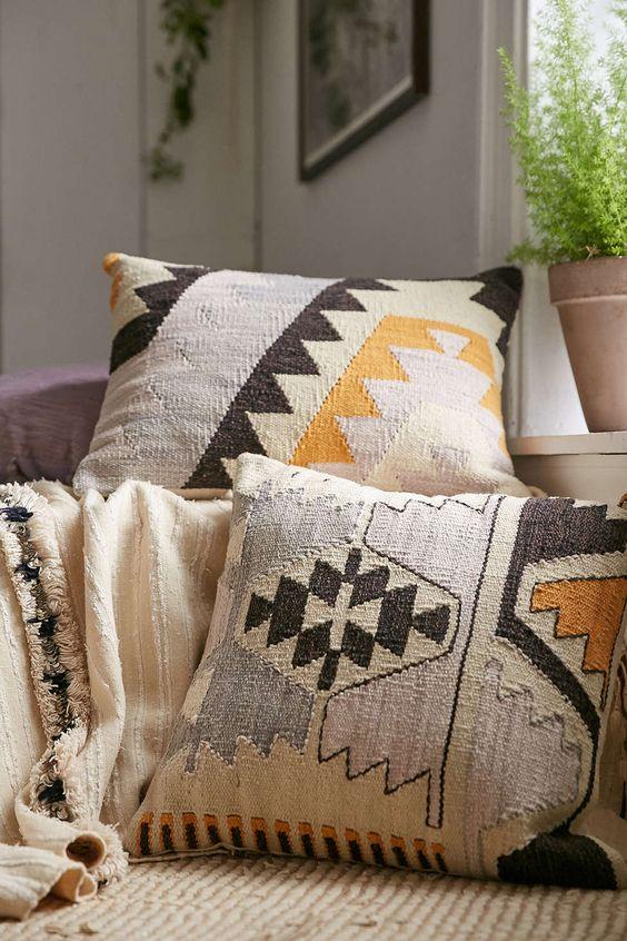 Kilim Pillows Fall Trend Alert City Farmhouse