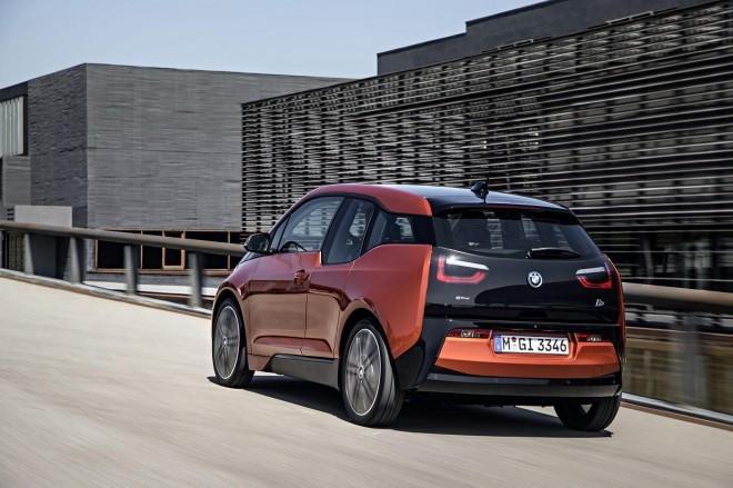 """BMW i3 // 30.000 eur se sliši precej, vendar se zna povrniti s prihrankom pri porabi """"energije"""""""