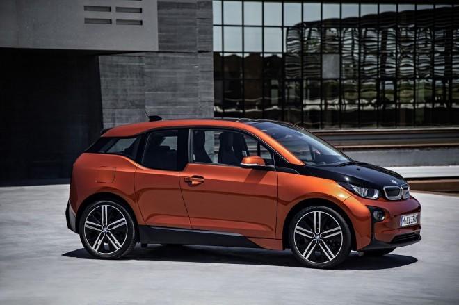 BMW i3 // Izjemno pogumen oblikovni jezik, brez omejitev in resnično futuristični design v serijskem vozilu. Vam je všeč?!