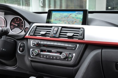 BMW 3GT - Poslovni limuzini vsekakor pritiče navigacija, ki se izkaže za odlično.